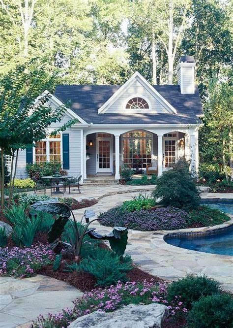 small house big backyard 25 best ideas about cute small houses on pinterest