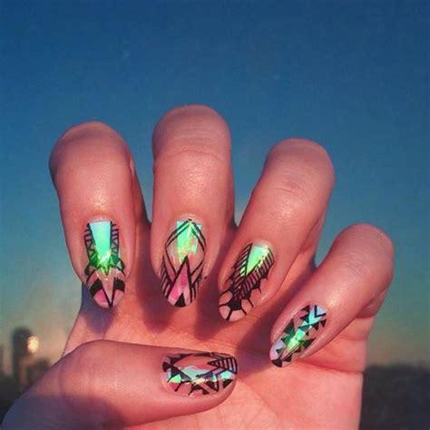 Dessin Sur Les Ongles by La D 233 Co Nail Holographique En 62 Images Inspiratrices