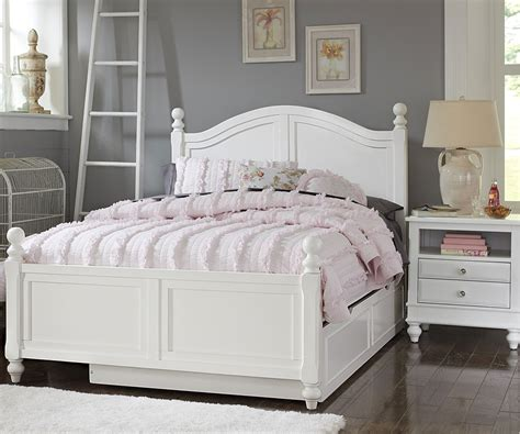 full size beds 1015 and 1570 payton full bed white finish with trundle