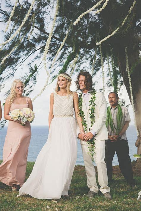 Hawaiian Style Wedding Dresses by Hawaiian Wedding Ideas
