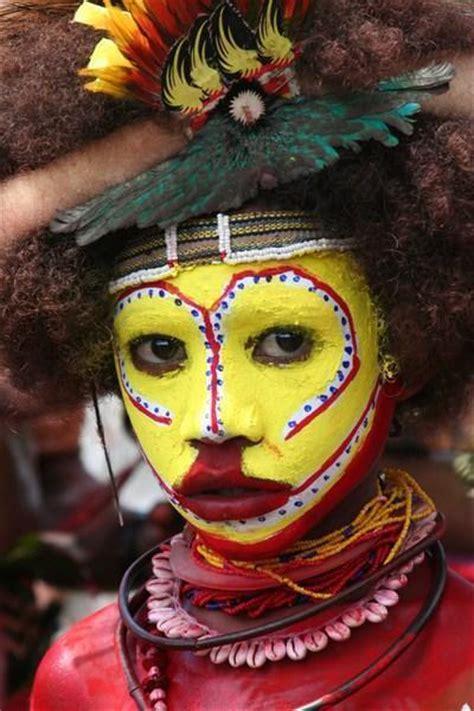Mascara Sariayu Papua aspiring huli wigman photo