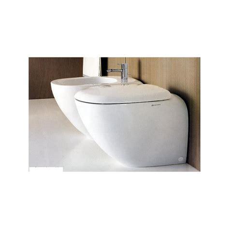 vasi bagno vasi bagno sanitari bagno sospesi o a terra wc e bidet con