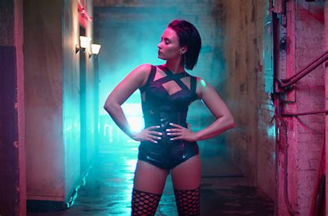 imagenes cool for the summer demi lovato s cool for the summer video is here watch