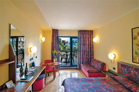 autonoleggio giardini naxos miglior prezzo hotel caesar palace giardini naxos