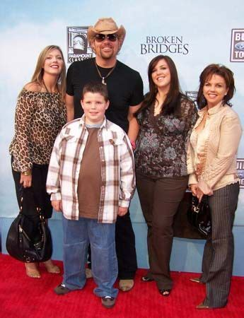 toby keith family pictures 69 best images about music quot toby keith quot on pinterest