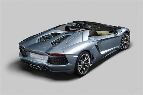 lamborghini aventador convertible roof 2013 lamborghini aventador lp700 4 roadster revealed autoevolution