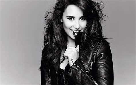 Tv Walls by Demi Lovato 6 Hd Celebrities 4k Wallpapers Images