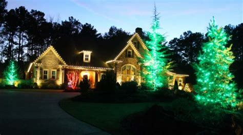 How To Hang Up Christmas Lights Public Storage Blog