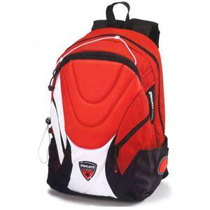 una mochila para el mochilas o carritos para ir al colegio