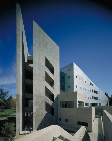 Davis Architect by Social Sciences Humanities Building