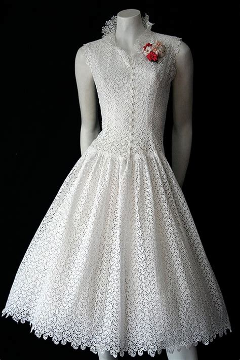 On Line Vintage Clothing Directory A To Z by 1950s Broderie Anglaise Dress Vintage Clothing Genuine