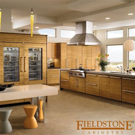 norcraft kitchen cabinets norcraft cabinetry swings to a profit despite weather
