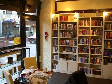 buku desain database desain toko buku kecil google search book store design