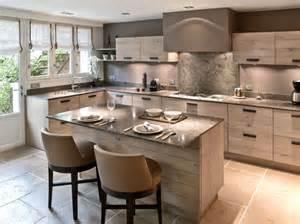 cuisine avec piano central cuisine en image