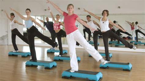 ginnastica da fare a casa per dimagrire aerobica in casa gli esercizi per dimagrire diredonna
