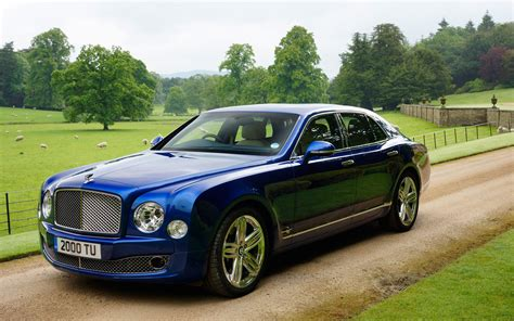 blue bentley mulsanne bentley mulsanne speed could have 550hp paris debut