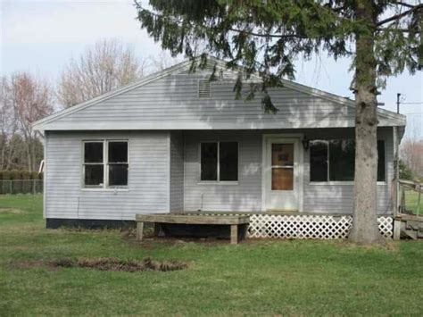 9808 douglas rd temperance michigan 48182 foreclosed