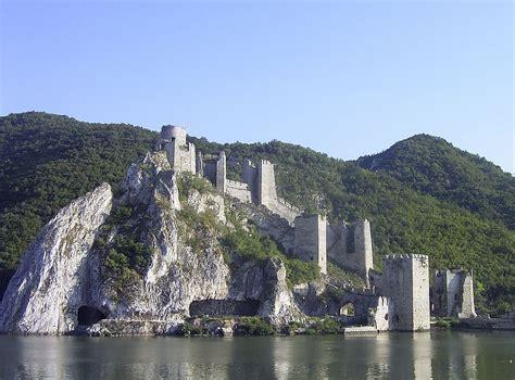 Suche Teppiche Läufer by Liste Burgen Schl 246 Ssern Und Festungen In Serbien