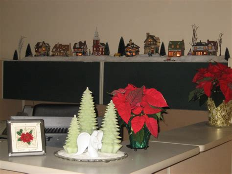 office desk christmas decorations christmas desk decor image yvotube com