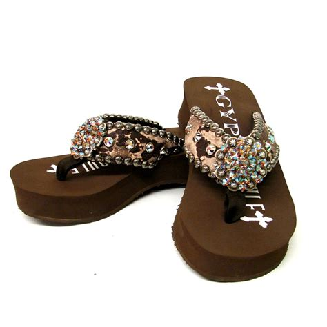 soule sandals 109 best soule flip flops images on