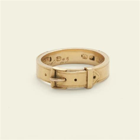 Ring Belt Gold belt motif mourning ring with concealed hair channel