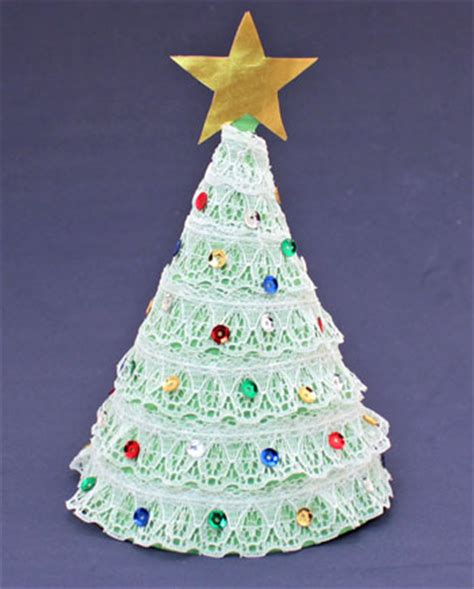 xmas tree activity out of construction paper funezcrafts easy crafts construction paper tree
