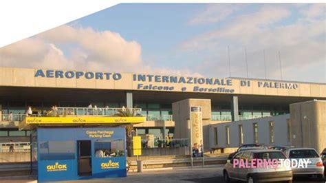 aeroporto disagi e ritardi per i passeggeri di ryanair e