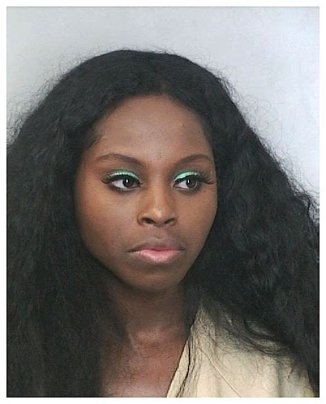 Foxy Brown Arrested foxy brown mug the gun