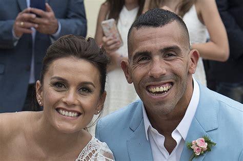Burglars Carlos Tevez S Argentina Home Burgled As He Married Vanesa