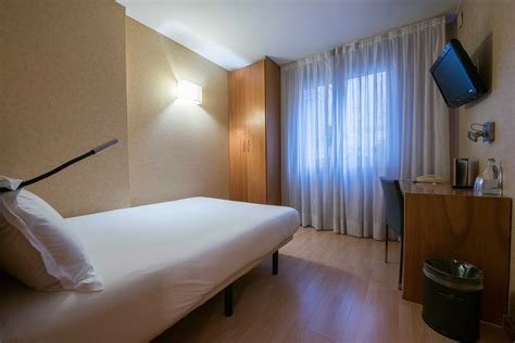 hotel barcelone dans chambre chambres de l h 244 tel silken st gervasi h 244 tel 3 barcelone
