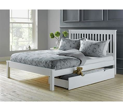 small double bed headboard 25 best ideas about small double bed frames on pinterest