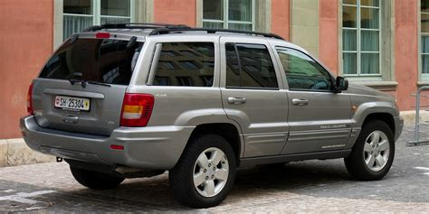 jeep grand cherokee back file jeep grand cherokee rear jpg