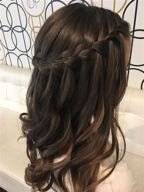 Hairstyles With Curls And Braids by The 25 Best Waterfall Braid With Curls Ideas On