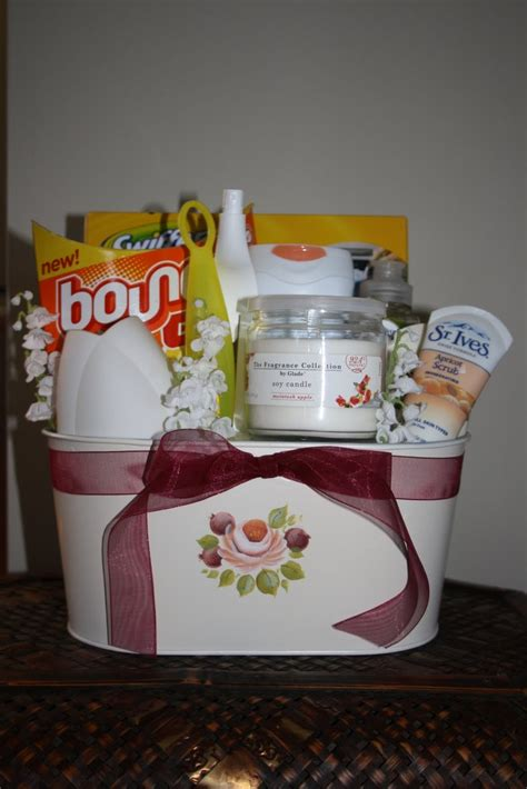 house warming gift idea housewarming gift basket gift basket ideas pinterest