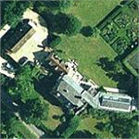 rowan atkinson haus rowan atkinson s house in waterperry united kingdom