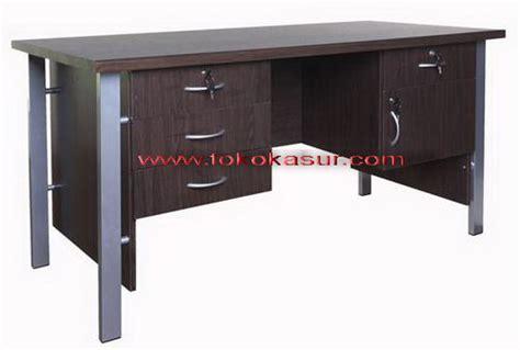 Harga Bantal Cardin meja tulis ost 1080 kaki besi kotak warna brown ukuran