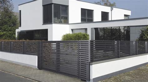 moderner gartenzaun gartenzaun metall modern zaun z 228 une balkon tor