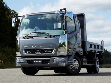 mitsubishi trucks mitsubishi fuso photos photogallery with 7 pics