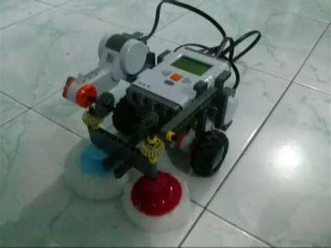 Lego Nxt Robot Floor Cleaner Youtube