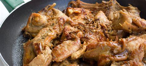 cucinare il coniglio a pezzi coniglio in padella cucinarecarne it