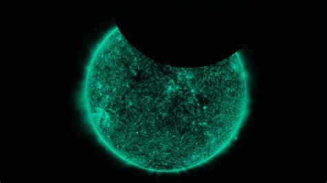 estrella del sol de la luna en c 237 rculo del arco iris c 243 mo eclipsar una estrella la luna se cuela en fotos