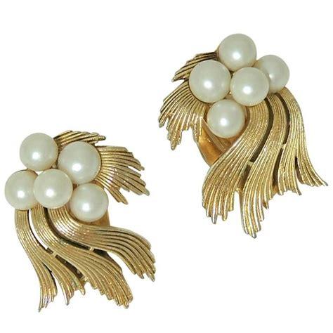 Black Pearl With Ribbon Earrings vintage trifari ribbon and pearl clip earrings at 1stdibs