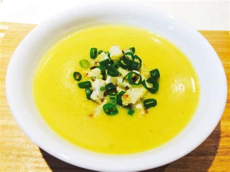 10 Day Detox Cauliflower Soup by Roasted Cauliflower Soup Healthyzesty