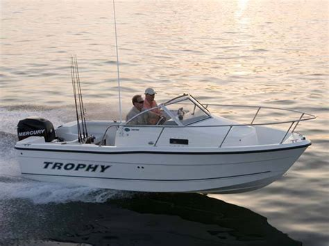 trophy boats 1802 walkaround specifications research trophy boats 1802 walkaround on iboats