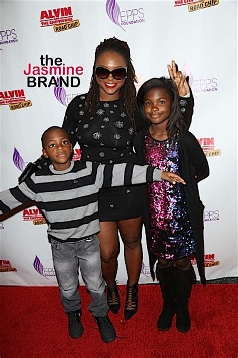 kevin hart malaysia mechelle epps hosts sunday funday toy drive tia mowry