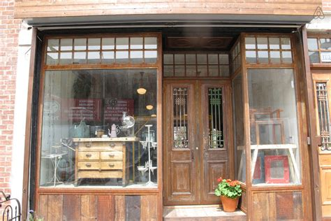 historic river storefront wgarden