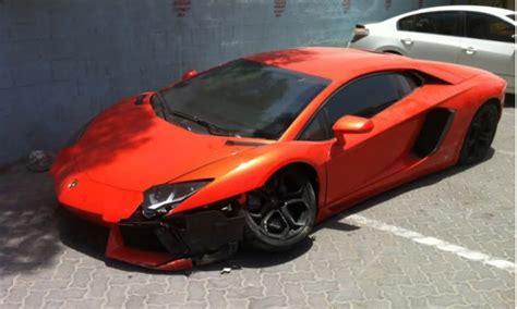Crashes Lamborghini Lamborghini Aventador Crashes In Dubai