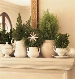 refresheddesigns easy holiday mantel ideas