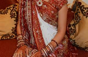 Gujarati Saree Draping Steps Gujarati Style Saree Draping Youtube