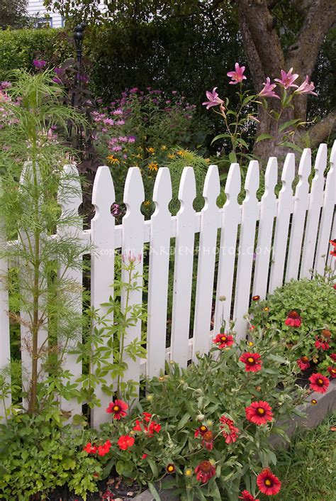 Flower Garden Fencing Pretty Flower Garden Picket Fence Plant Flower Stock Photography Gardenphotos